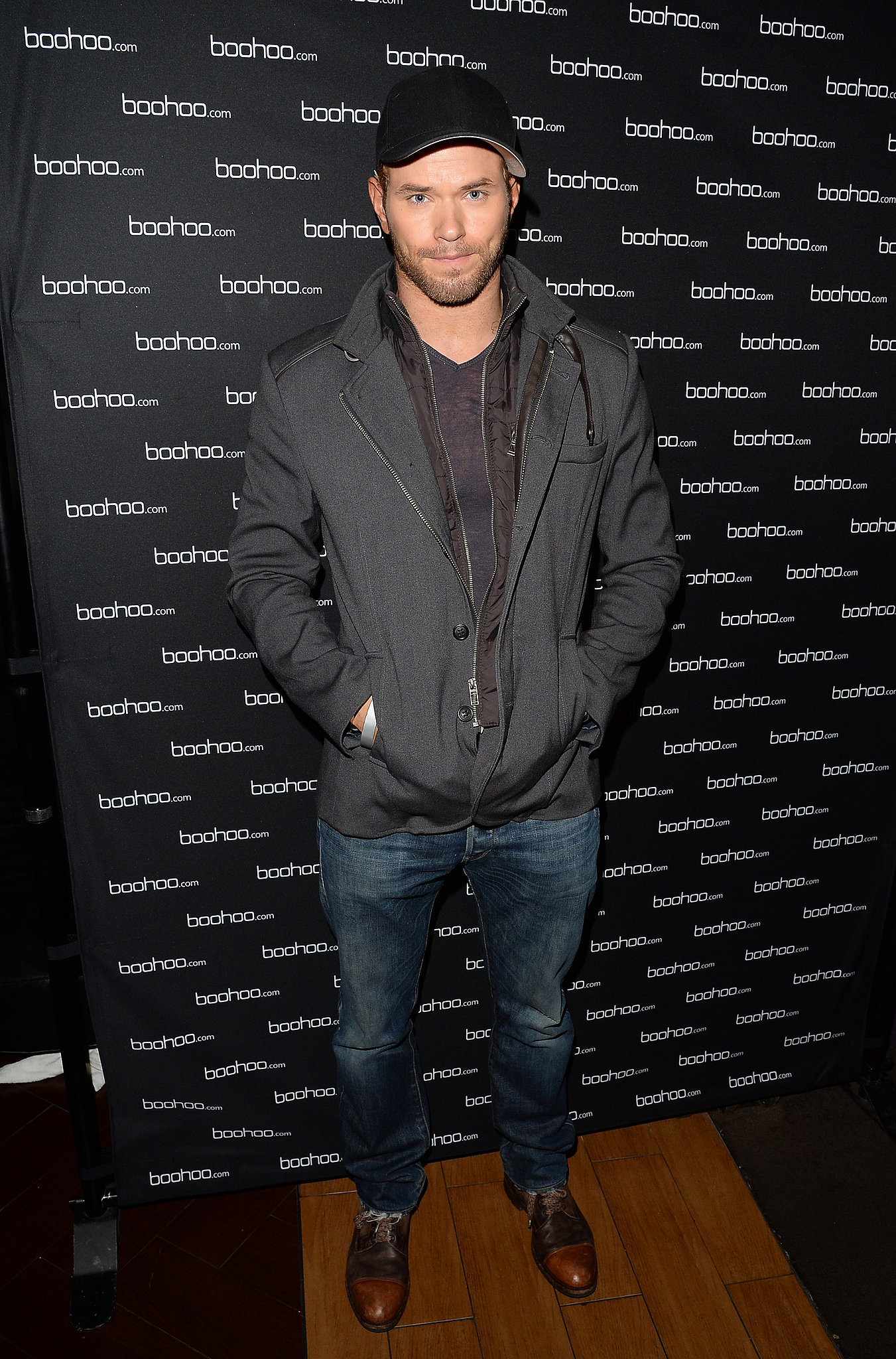 Kellan Lutz went casual to the concert.