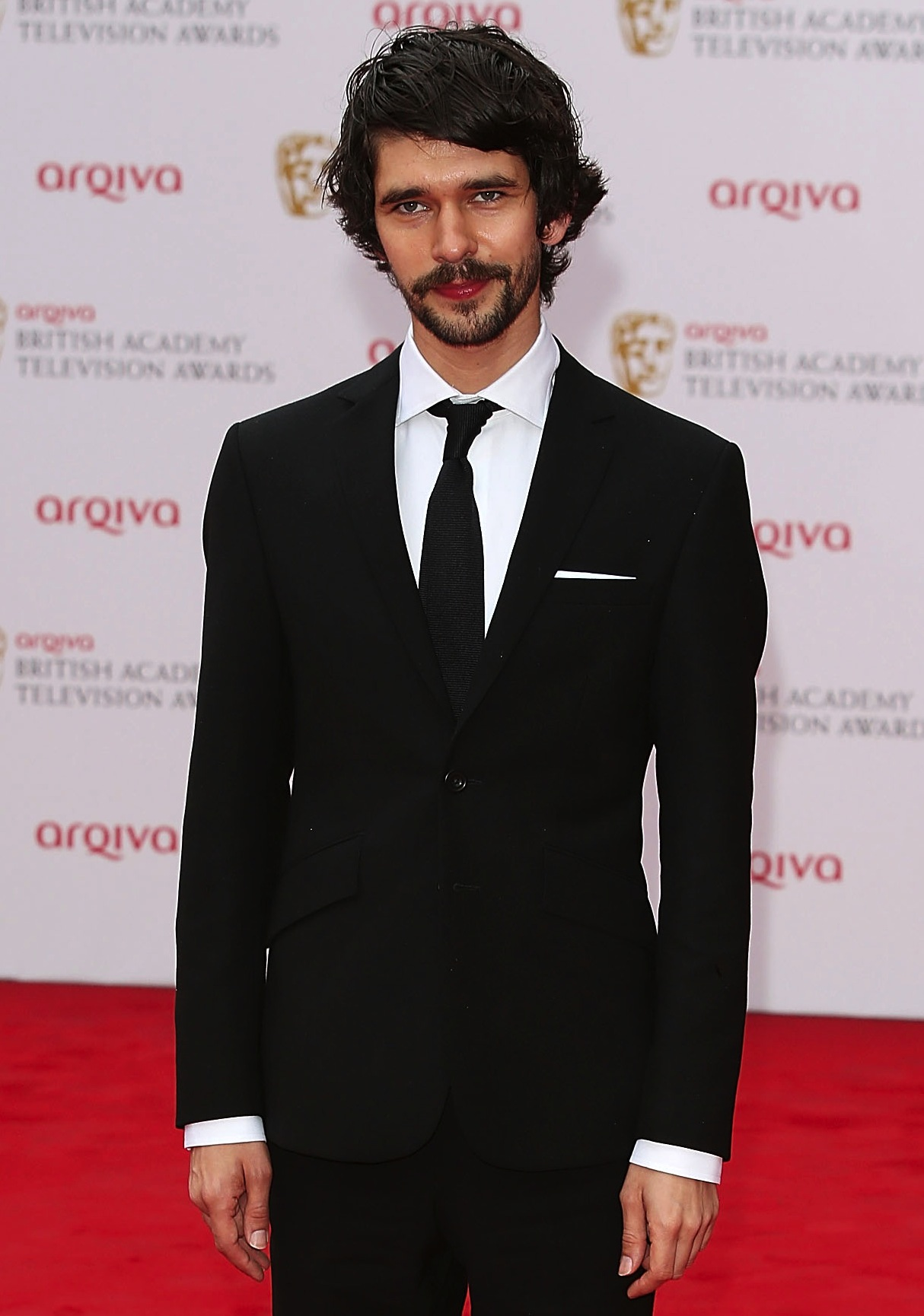 Ben Whishaw will play Freddie Mercury in a biopic about the rock group Queen.