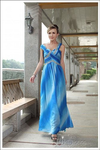 Attractive  V Neckline Sleeveless Floor-length Evening Dresses