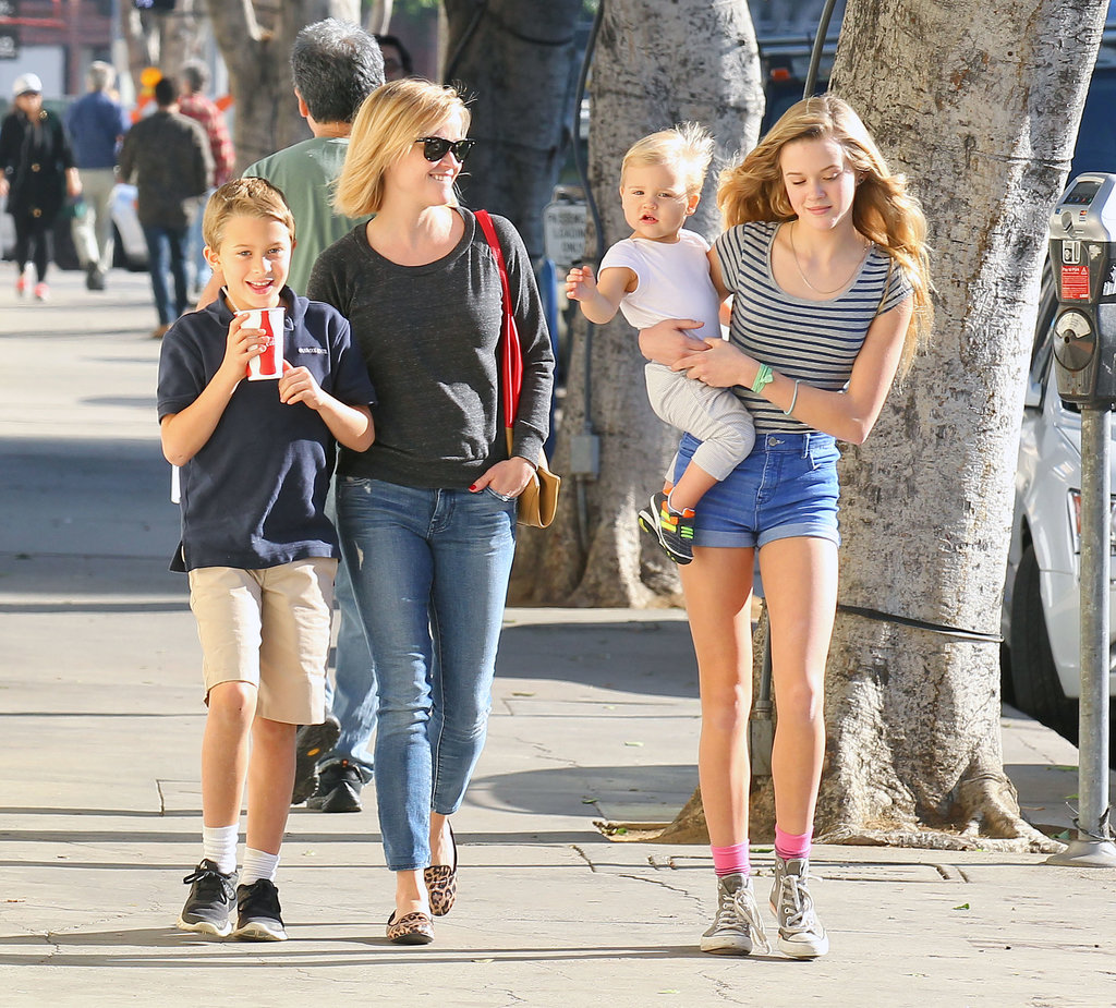 In the midst of holiday preparations, Reese Witherspoon found the time for a lunch date with her children — Ava, Deacon, and Tennessee — in LA.
