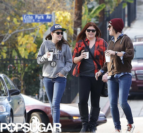 Kristen-Stewart-chatted-her-girlfriends