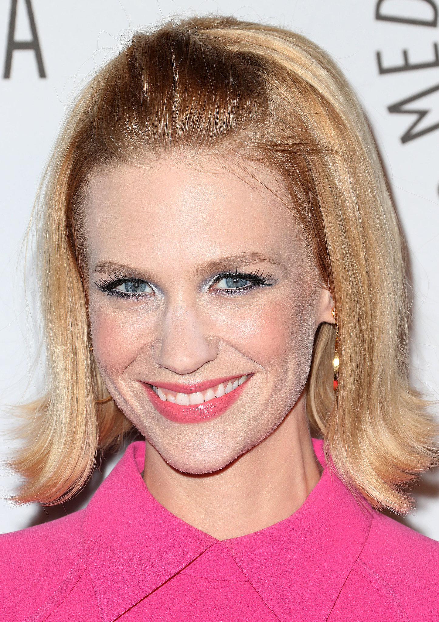 January arrived at a Los Angeles benefit in October of last year wearing a bright pink minidress that had a retro feel. And to complement her outfit, she went for a '60s vibe with her hair and makeup. Betty Francis would certainly approve.