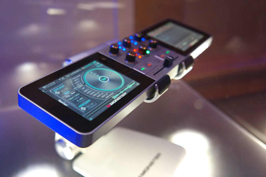 Go DJ Puts 1,000 Beats in Your Pocket