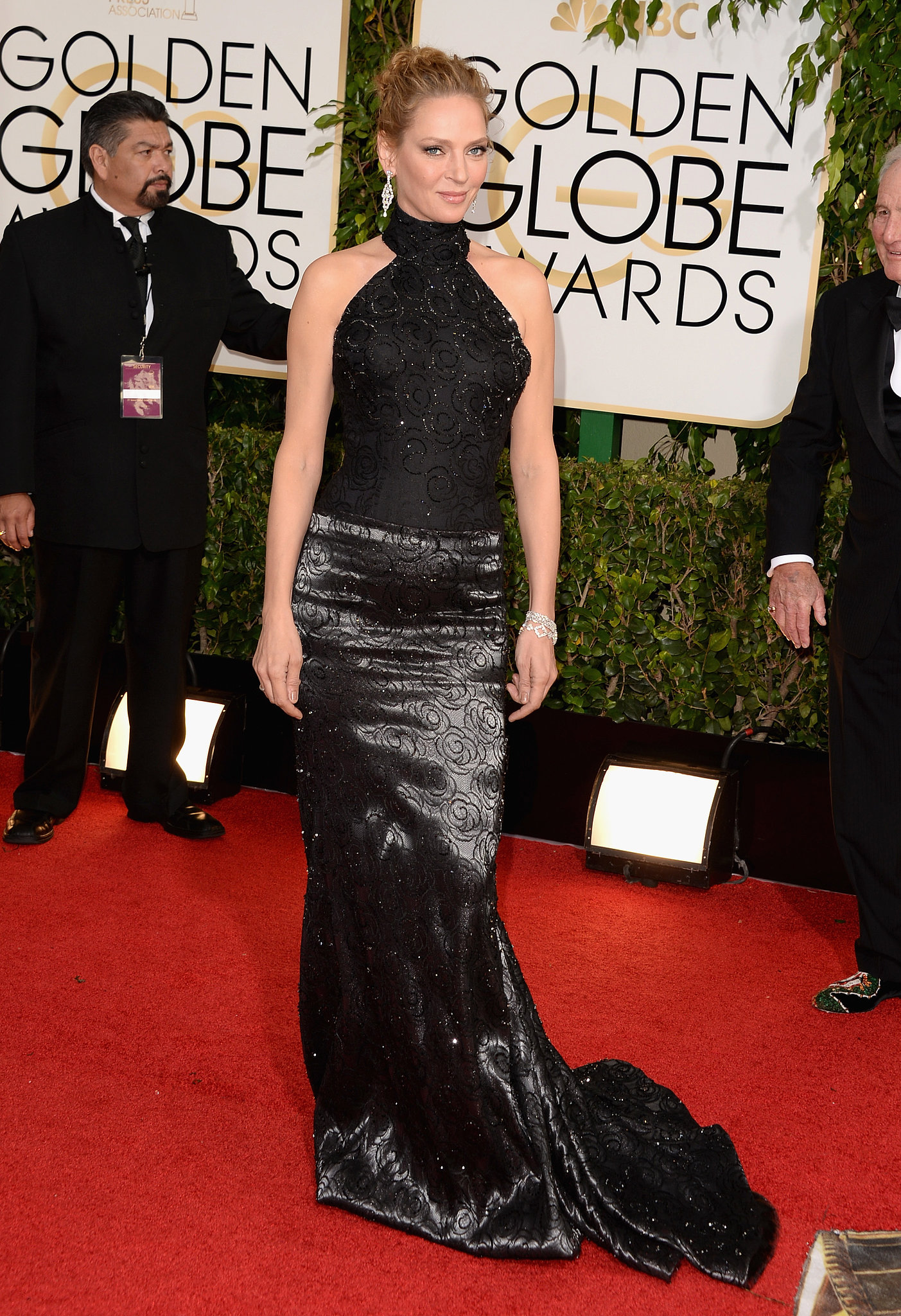 Uma Thurman kept things glamorous on the red carpet.