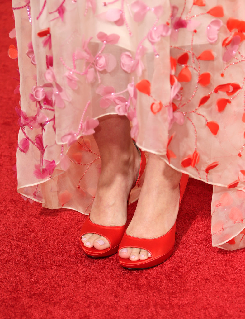 Drew Barrymore continued the flirty feel of her dress right down to her Roger Vivier Epine pumps.