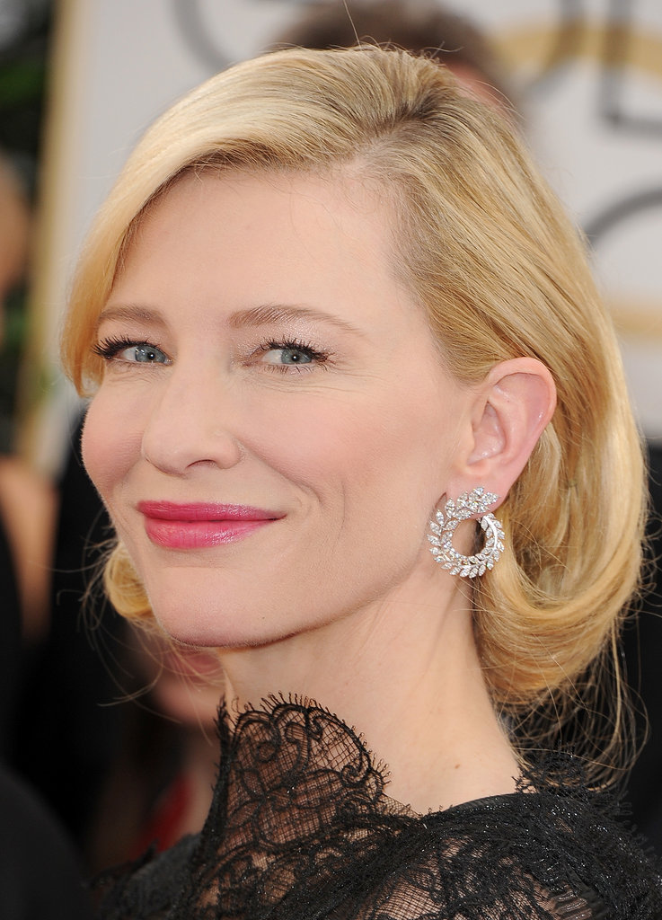 Cate Blanchett turned heads with a stunning pair of Chopard's Green Carpet Collection earrings.