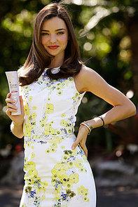 Miranda Kerr the New Global  Clear Scalp & Hair Ambassador