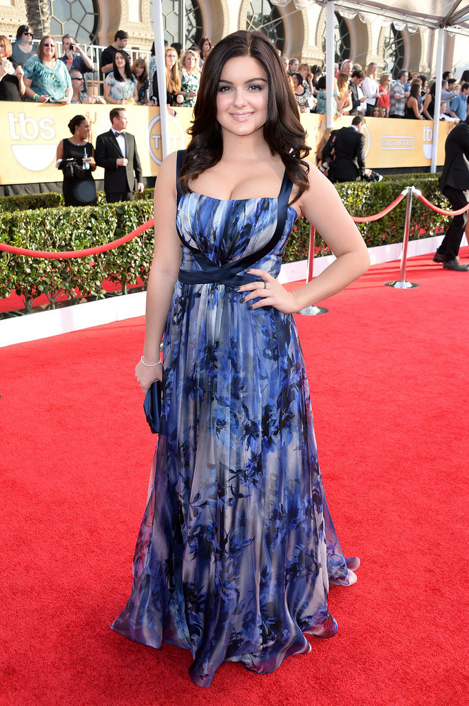 Ariel Winter posed in her blue gown.