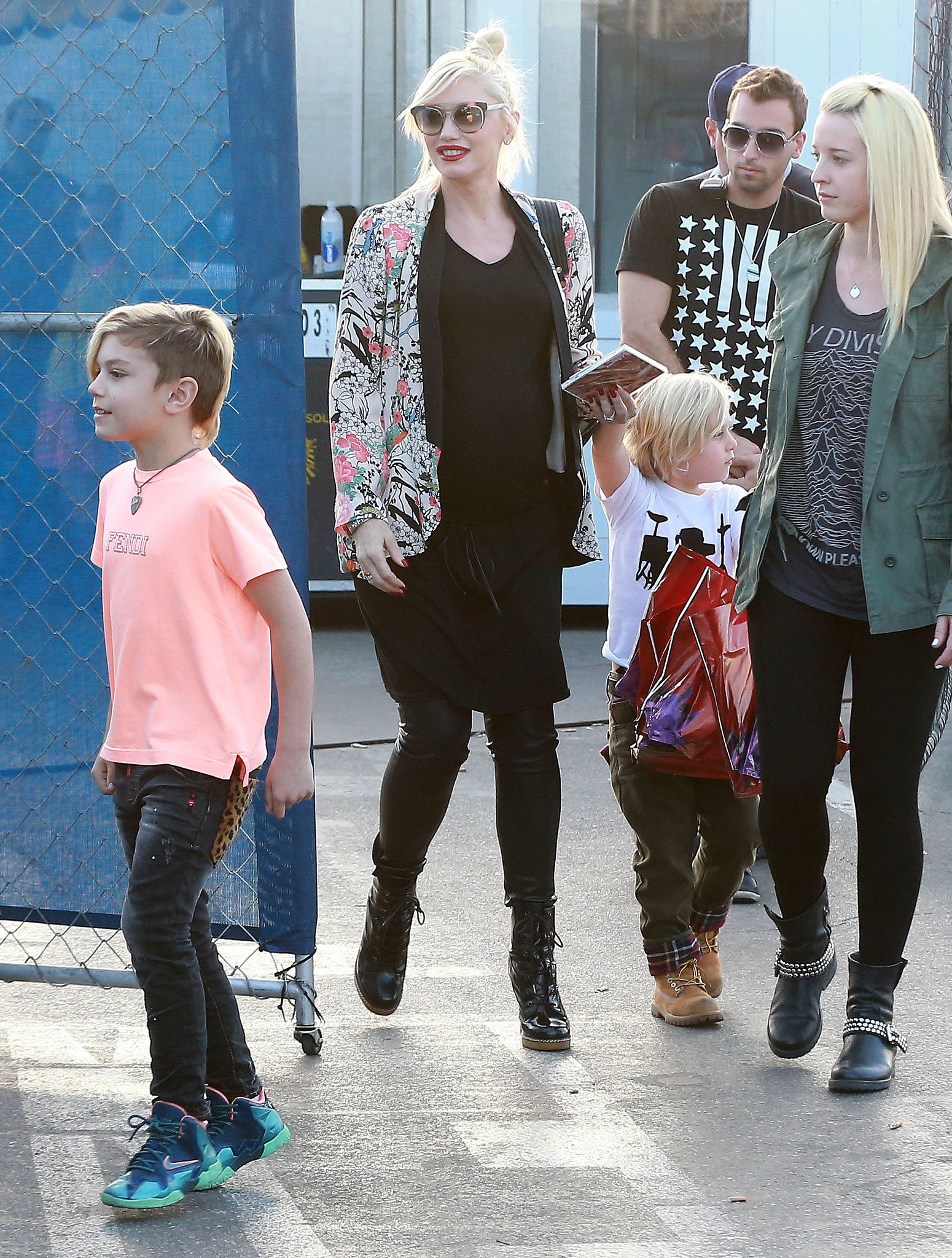 gwen stefani 39 s baby bump was front and center when she and. Black Bedroom Furniture Sets. Home Design Ideas