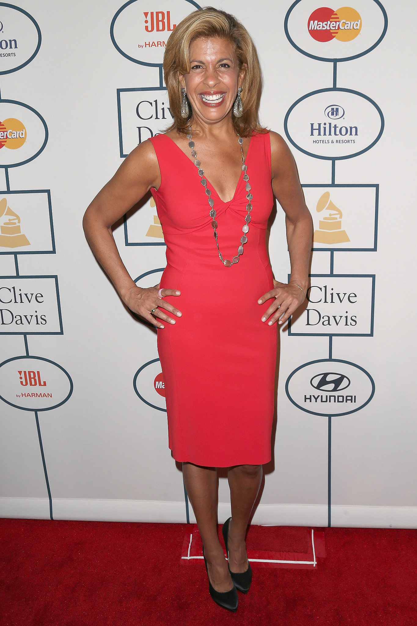 Today anchor Hoda Kotb got in on the red carpet fun.