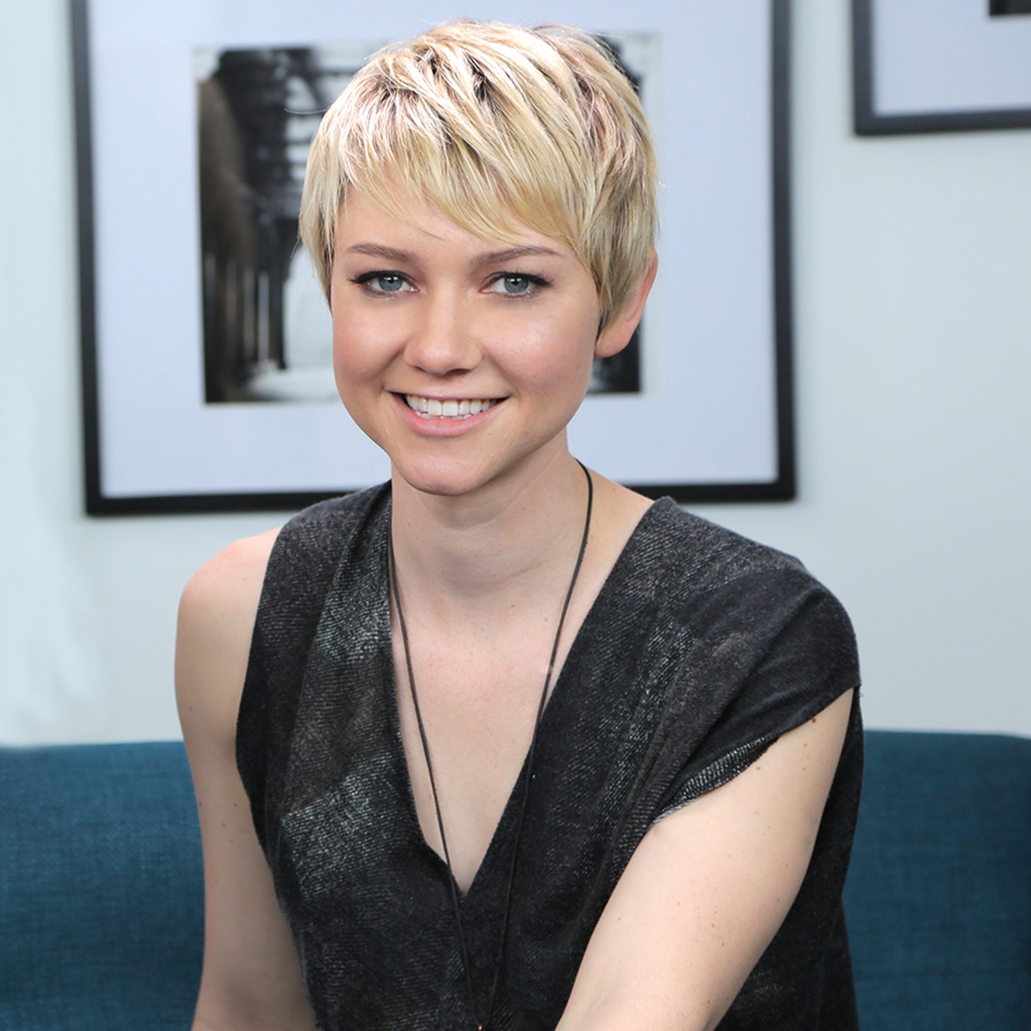 valorie curry the following
