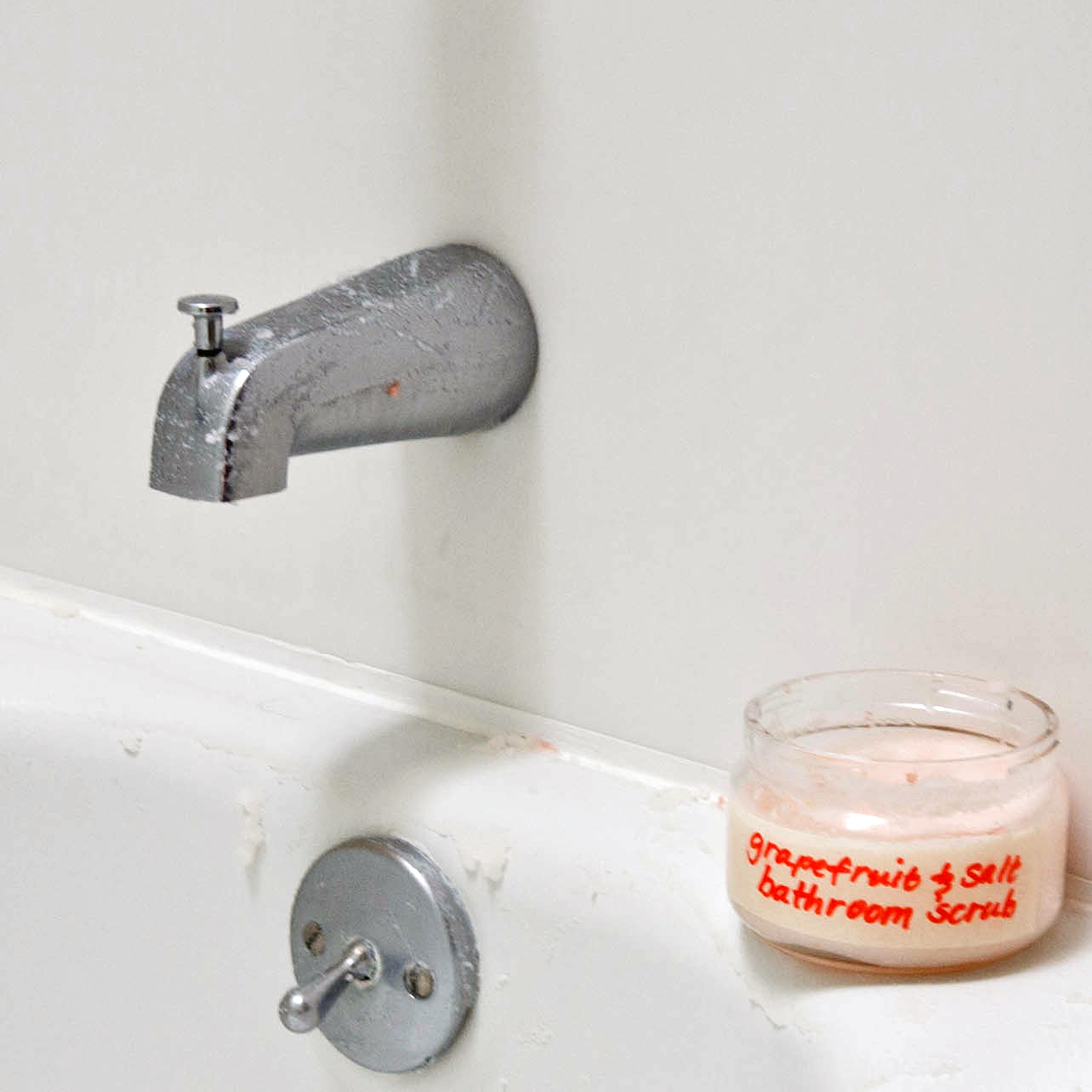 Grapefruit Salt Bathroom Scrub