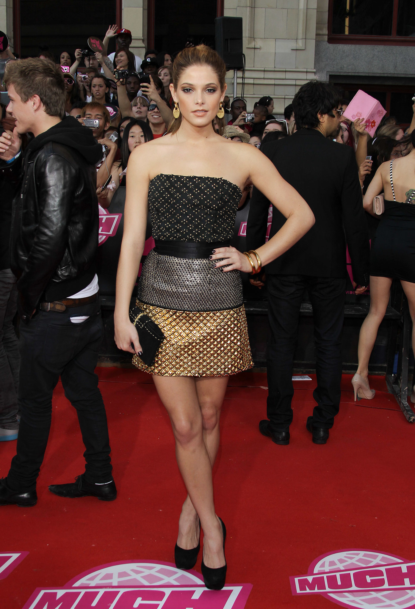 She flaunted her stems in a strapless Isaac Mizrahi mini at the MuchMusic Awards in 2010.