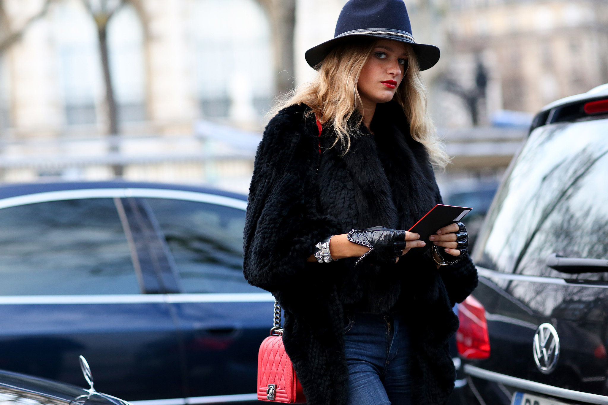 She came armed and ready with ample cool-girl styling accoutrements, as one does in Paris.