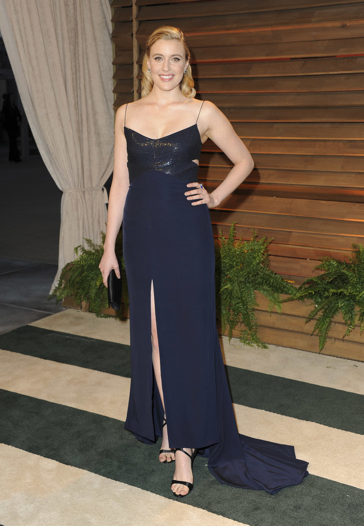Greta Gerwig looked glamorous in navy blue.