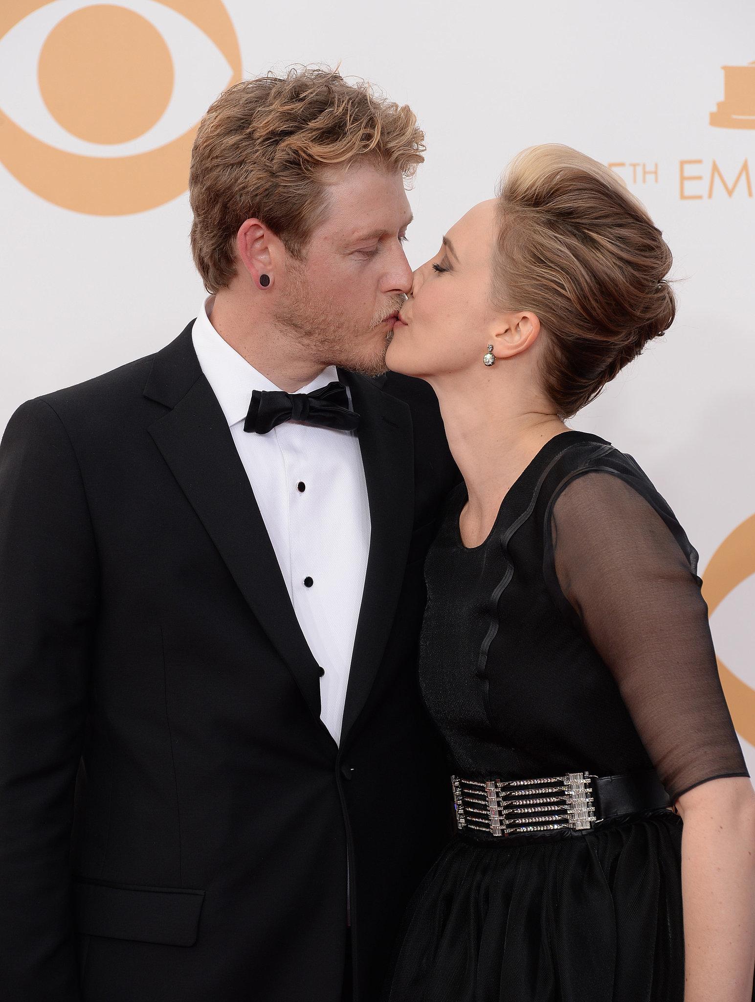 Vera Farmiga kissed husband Renn Hawkey on the Emmys red carpet.