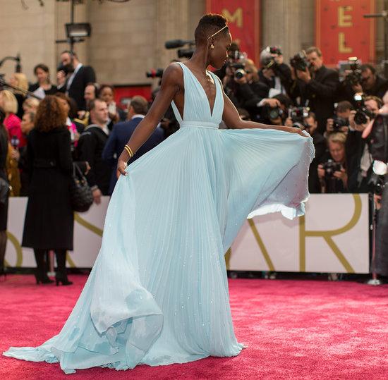 Lupita-Nyongo-her-gorgeous-blue-Prada-gown-floated-down
