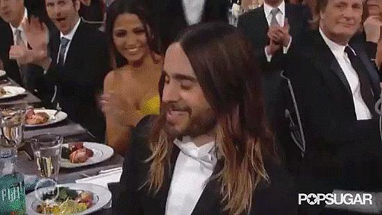 Jared Leto gave his mom, Constance, a kiss before accepting his SAG Award. Source: TNT