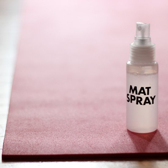 How to Clean Yoga Mat With DIY Spray