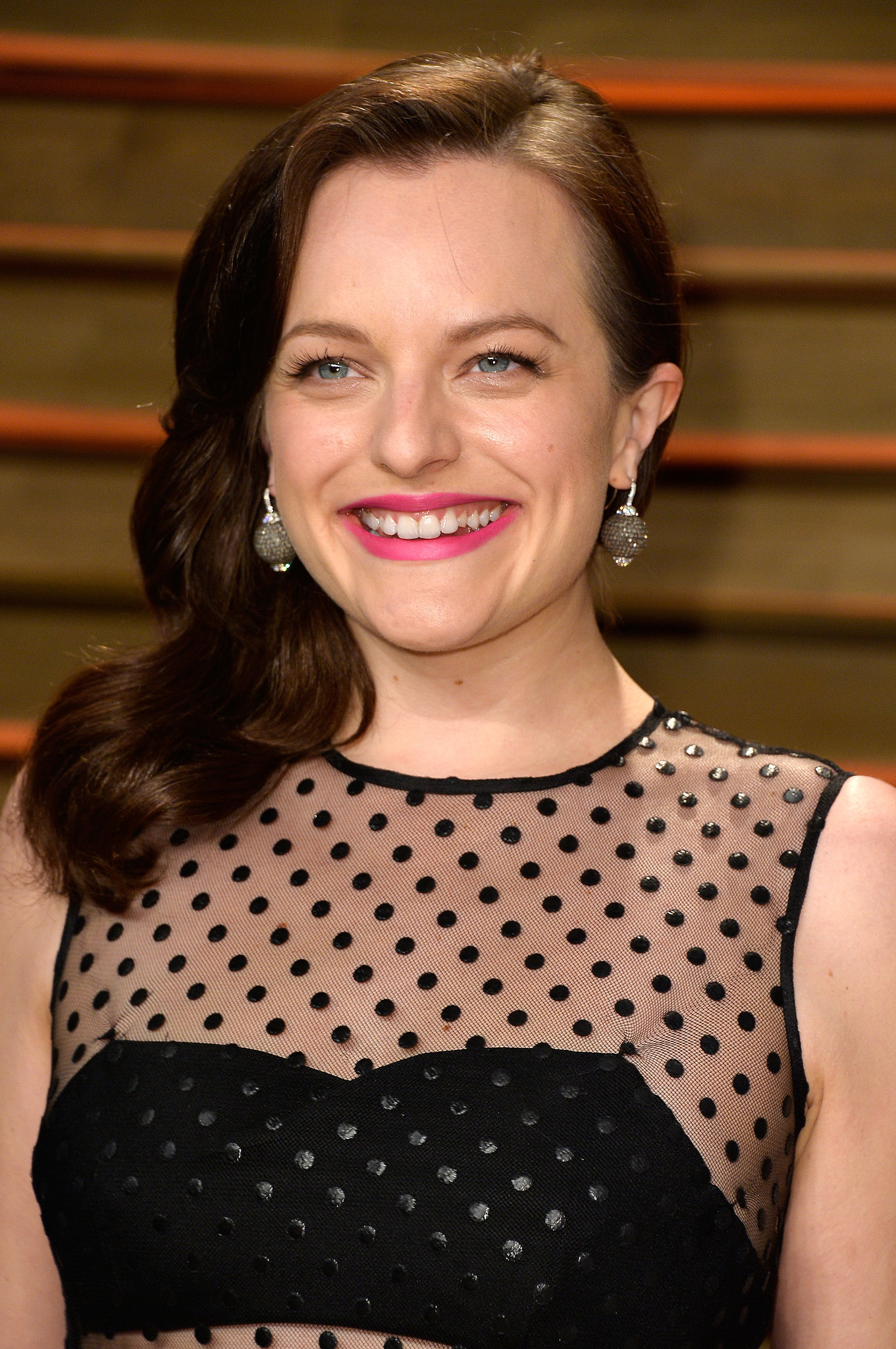 "In 2014, Elisabeth Moss told New York Magazine about her divorce from SNL alum Fred Armisen: ""Looking back, I feel like I was really young, and at the time I didn't think that I was that young. It was extremely traumatic and awful and horrible. At the same time, it turned out for the best. I'm glad that I'm not there. I'm glad that it didn't happen when I was 50. I'm glad I didn't have kids. And I got that out of the way. Hopefully. Like, that's probably not going to happen again."""
