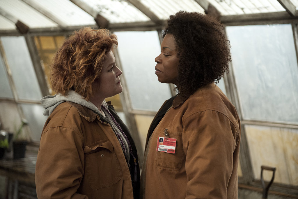 Red (Kate Mulgrew) has a confrontation with new inmate Vee (Lorraine Toussaint).  Source: Netflix