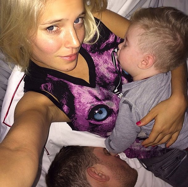 Luisana Lopilato snapped a photo of her husband, Michael Bublé, and their son, Noah, taking a nap. Source: Instagram user lulopilatophotos