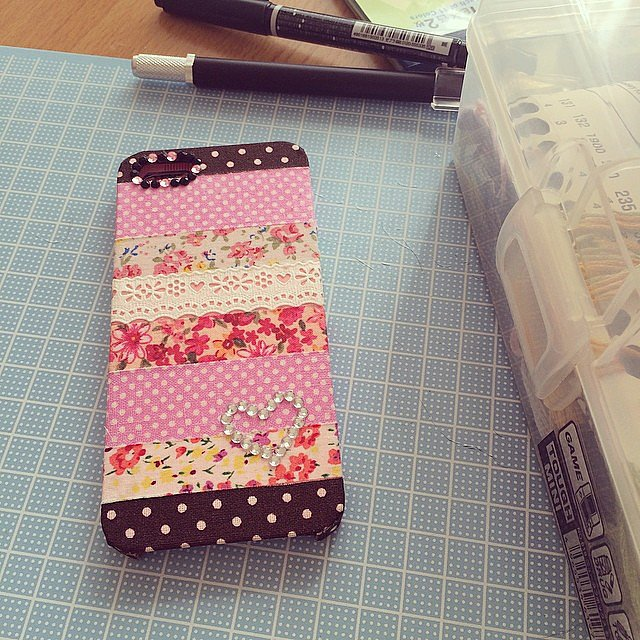 Washi tape and lace 25 ways to diy a killer phone case for Washi tape phone case