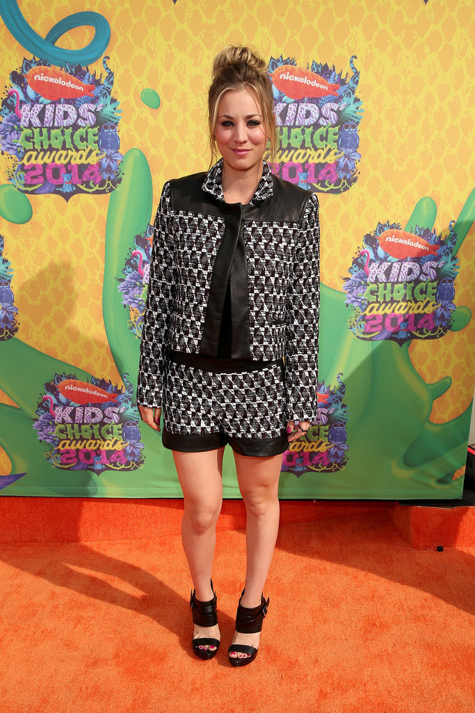 Kaley Cuoco made a solo appearance on the red carpet.