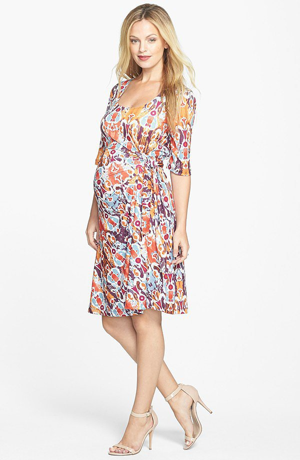 Fynn and Rose Maternity Floral Pintuck Sleeveless Dress Why We Love It Spring is definitely in the air with this easy, loose-fit dress in fresh royal blue and white with a sea-inspired, green-and-white hem.