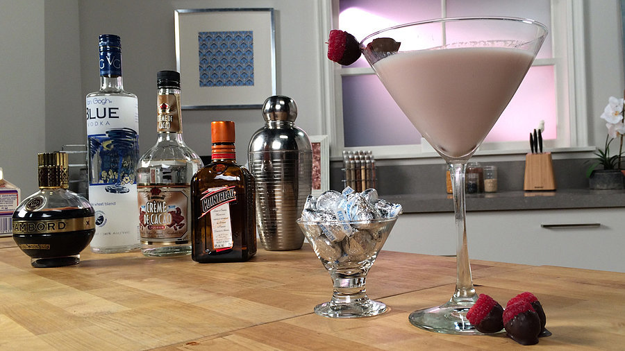You'll Want to Make Out With the French Kiss Cocktail