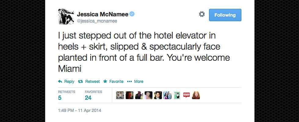 The Best Celebrity Tweets This Week: Jessica McNamee, Chrissy Teigen & More