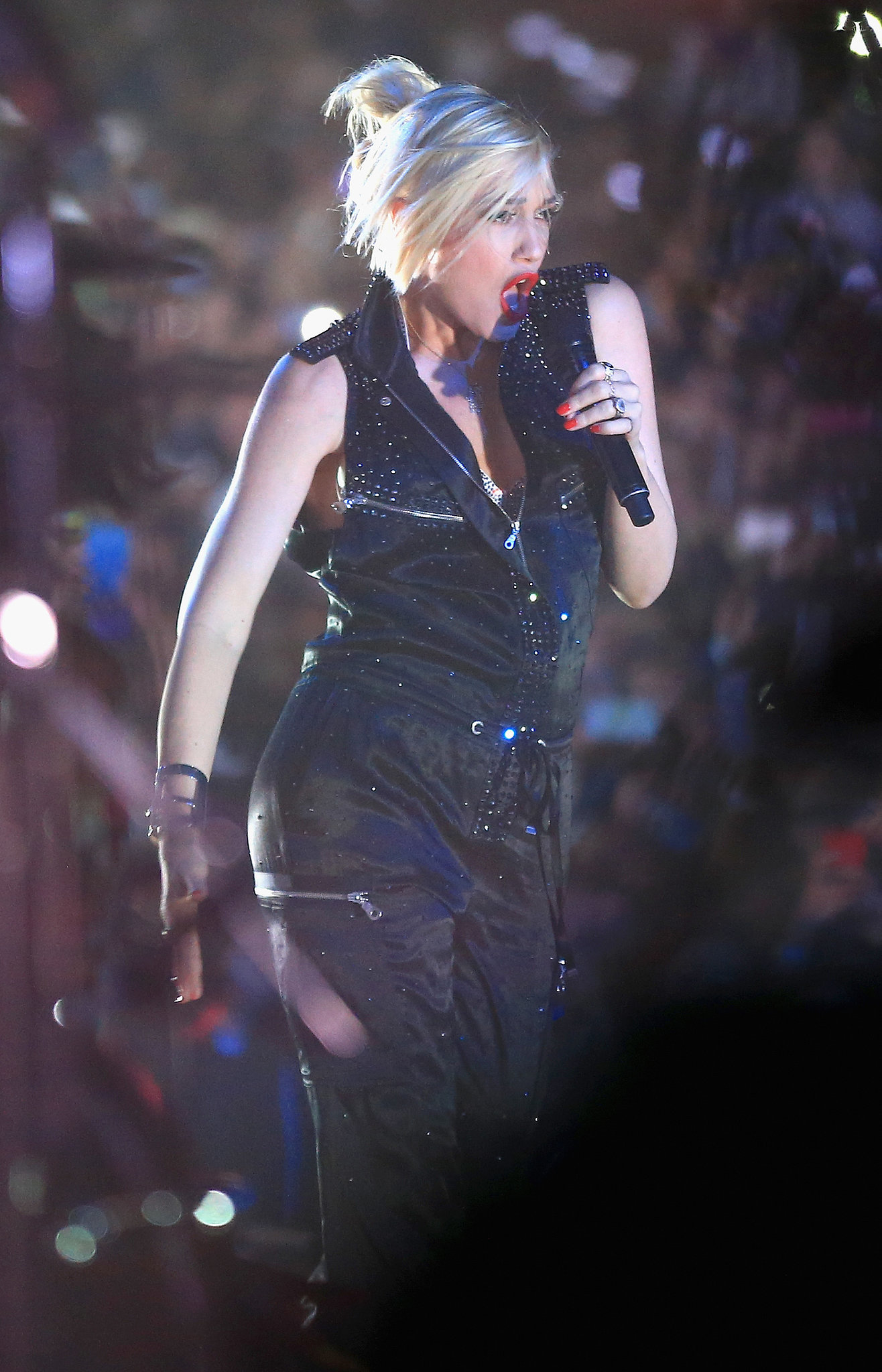 Gwen Stefani performed at Coachella just six weeks after she gave birth to her third son, Apollo.