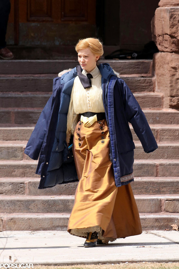 Mia Wasikowska was also on set with Tom on April 16 while wearing an interesting belt.