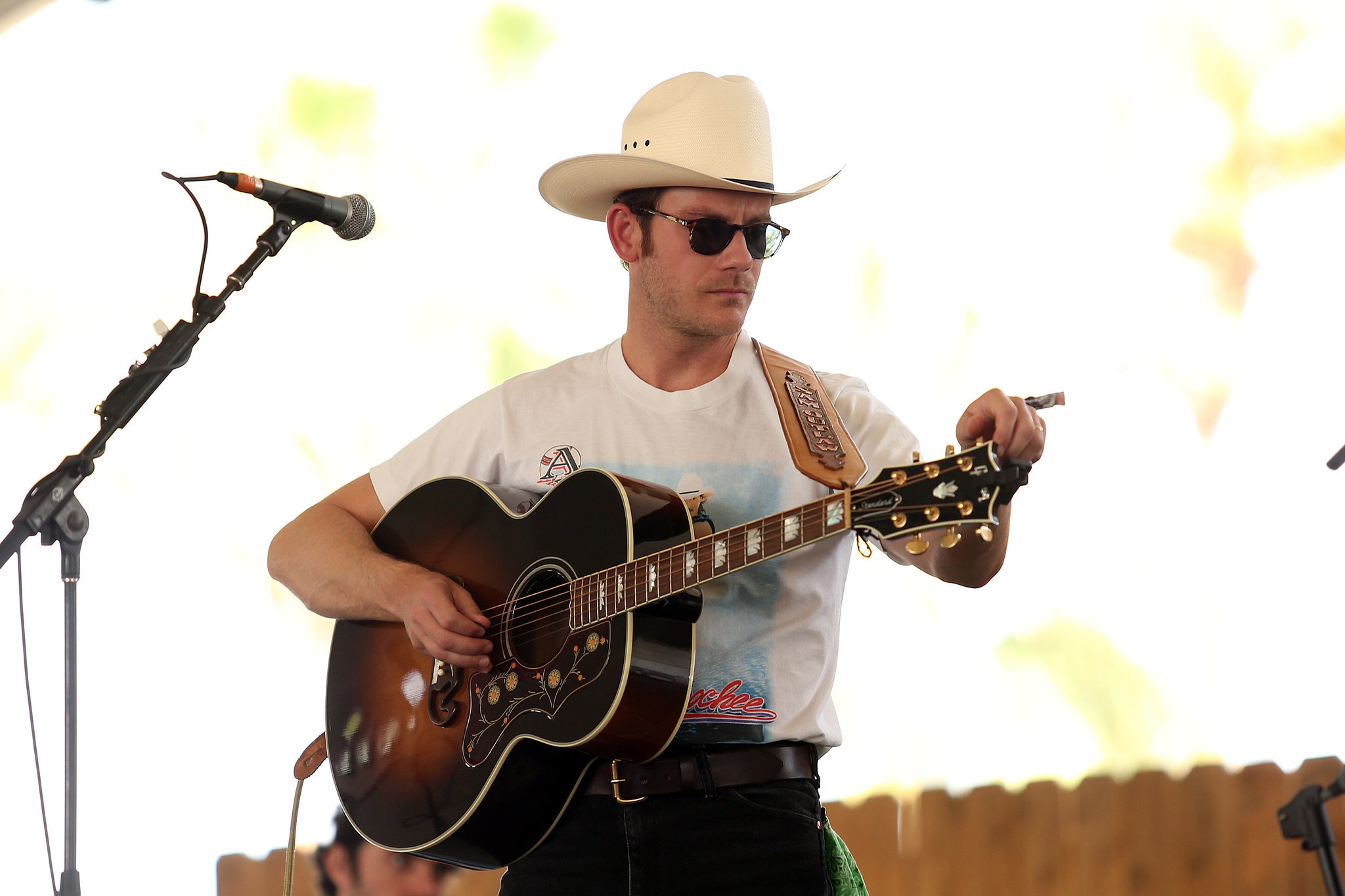 And if you squint your eyes, Sam Outlaw sort of looks like Justin Theroux.