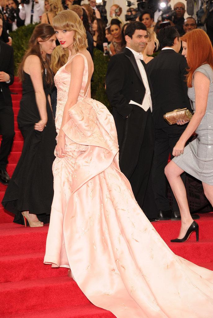 Taylor Swift in Oscar de la Renta
