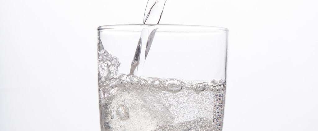 The Showdown: Sparkling Water vs. Plain Water