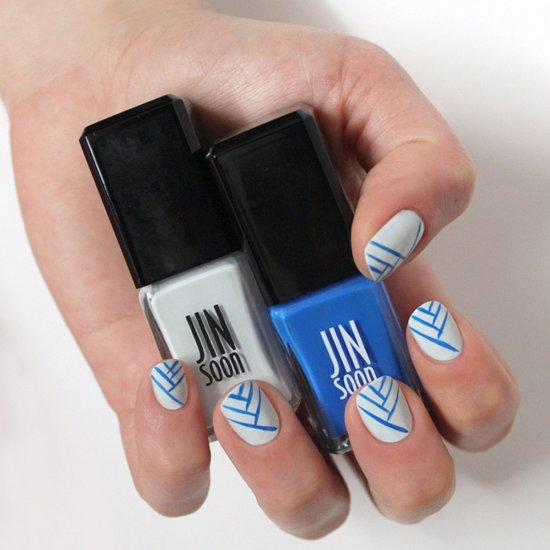 Blue and White Nail Art DIY