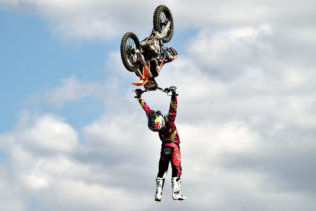 Sky Stunts