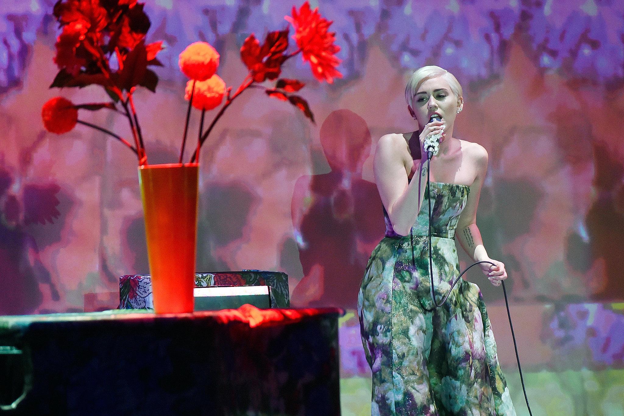 Did Miley Cyrus Just Outshine Mariah Carey?