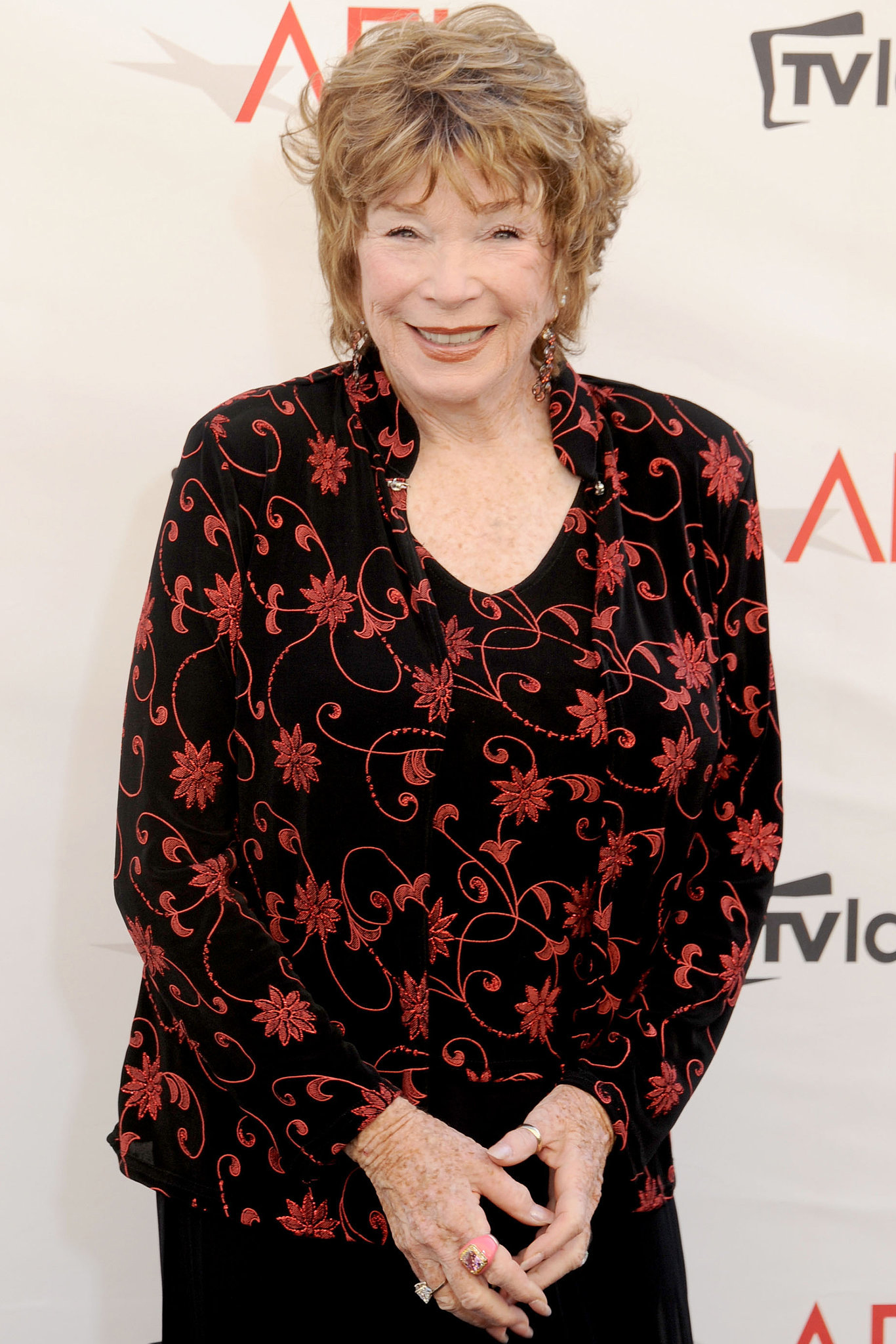 Shirley MacLaine will star in Men of Granite, about a group of basketball players in a small Illinois town in the 1940s.