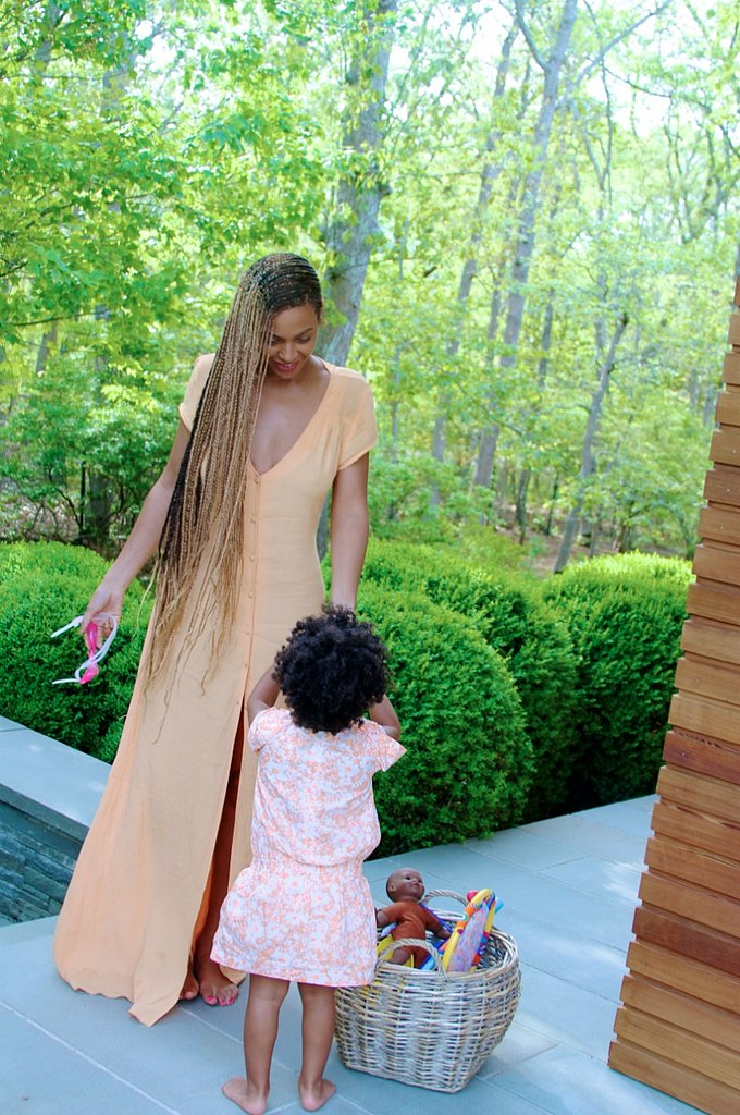 Beyoncé and Blue hung out in the Hamptons.  Source: Beyonce.com