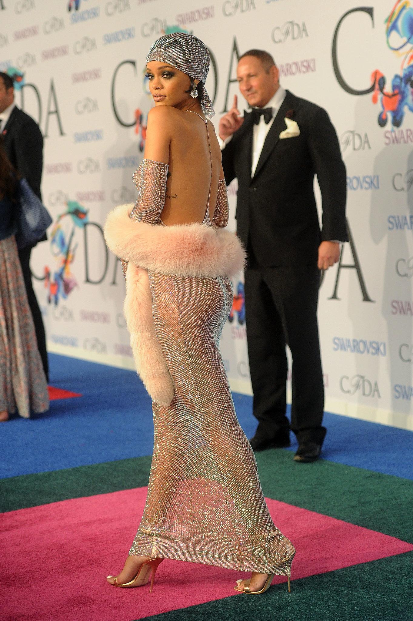 Rihanna showed off her backside.