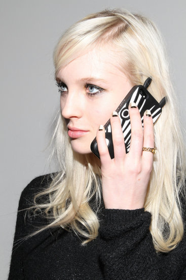 5 Ways Your Cell Phone Is Completely Ruining Your Skin