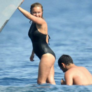 Hayden Panettiere Pregnant in a Swimsuit | Pictures
