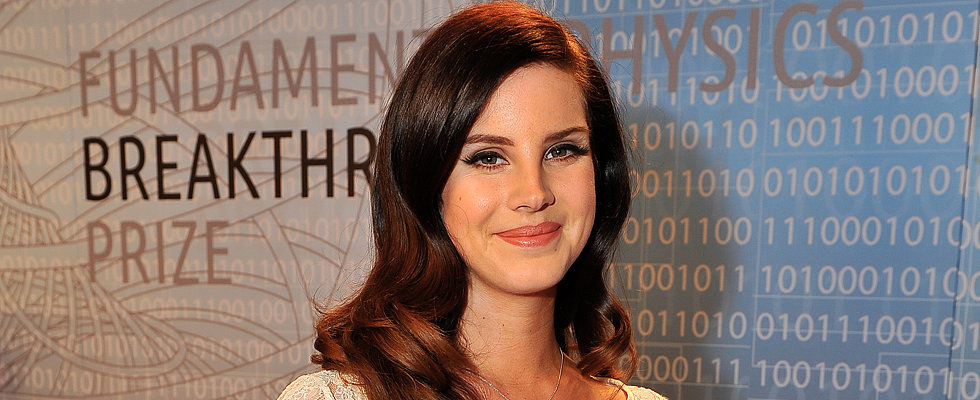 Lana Del Rey Backtracks Over Comments, Twitter Drama Ensues