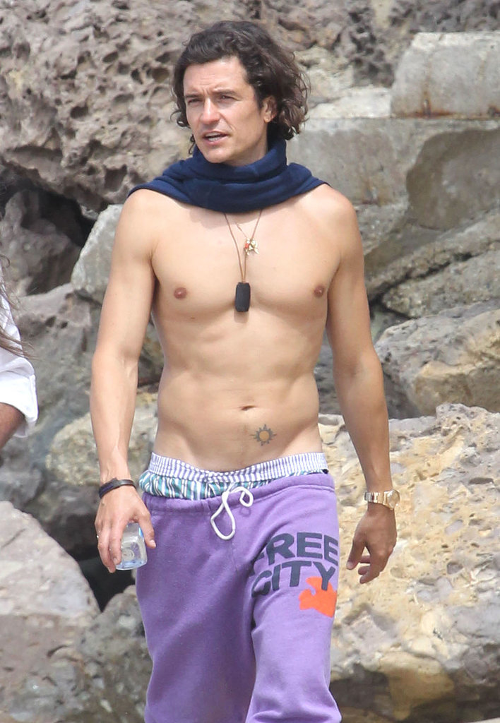 Orlando Bloom's Shirtless Beach Stroll Is Just What You Needed Today