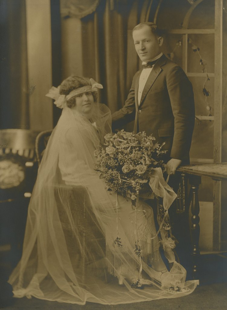 Morris and Dorothy Paschen: August 24, 1924