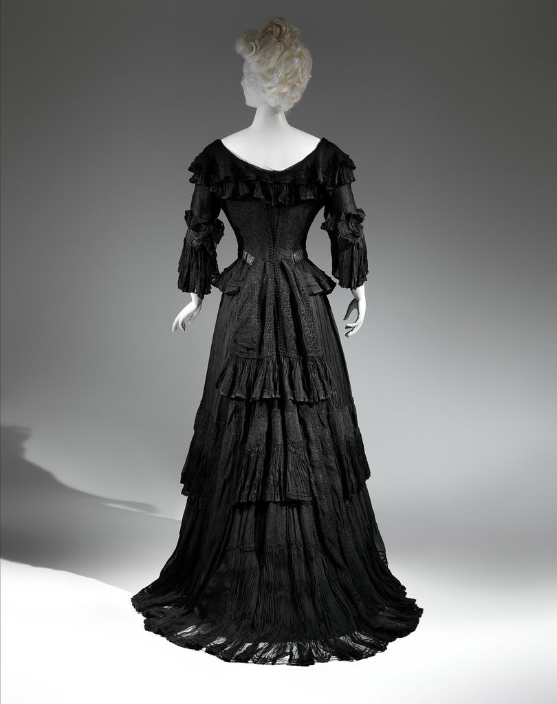 Death Becomes Her: A Century of Mourning Attire