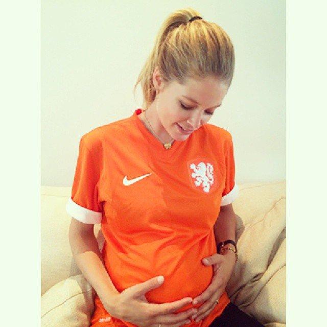 Doutzen Kroes (and her baby bump) showed support to the Netherlands. Source: Instagram user doutzen