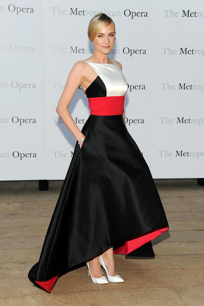 Standing by the basics —red, black, and white —Kruger looked statuesque in a voluminous Prabal Gurung creation and stark-white pumps in September 2013.